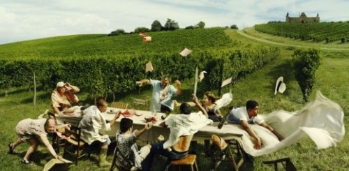 people windy picnic
